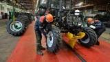 Минский завод предложит туристам за $5 собрать трактор